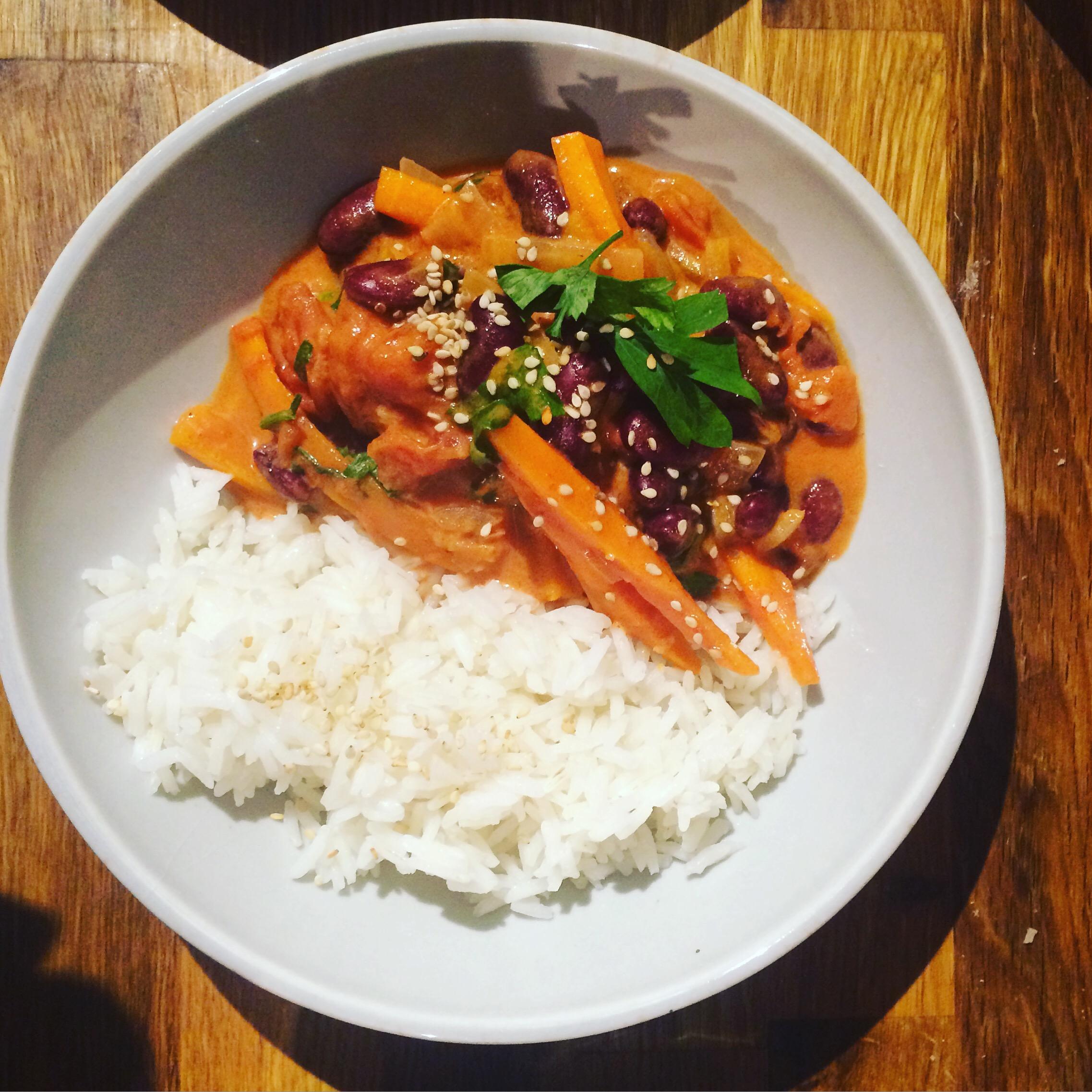 Plat complet Parfumé haricots rouges, carottes, coco et riz