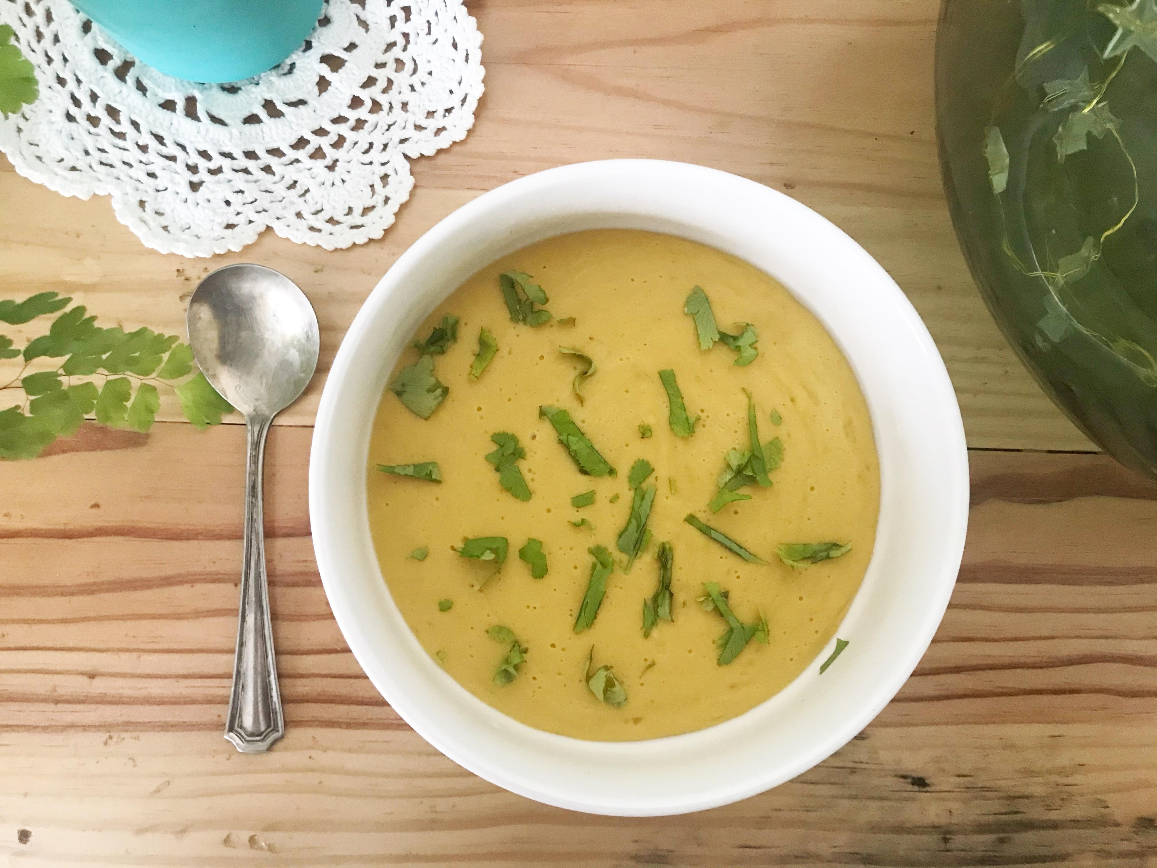 crème veloutée de lentilles corail au curry - recettes végétariennes et vegan - atirelarigot